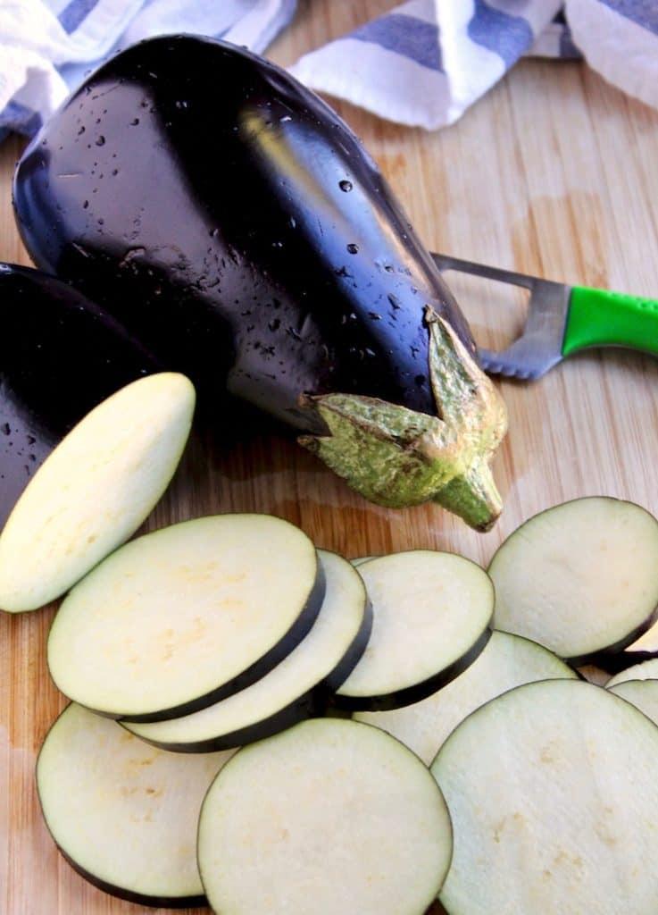 Purple eggplant globe and slices